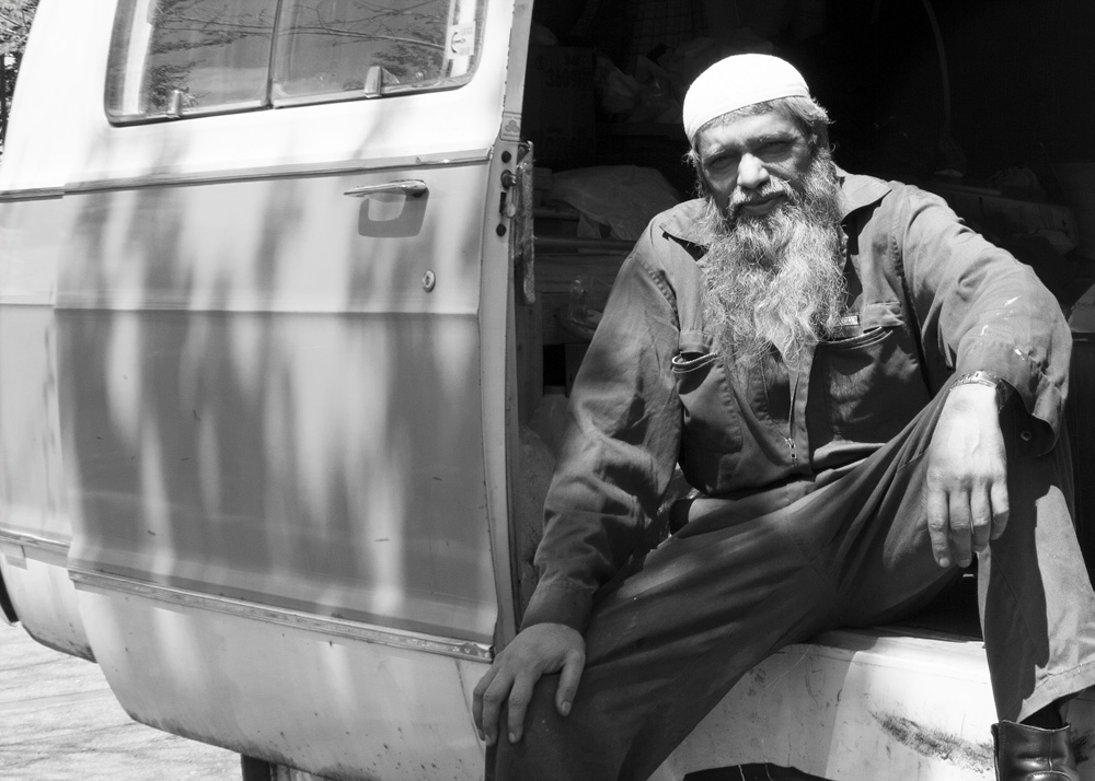 motoring-with-mohammed-6-black-and-white