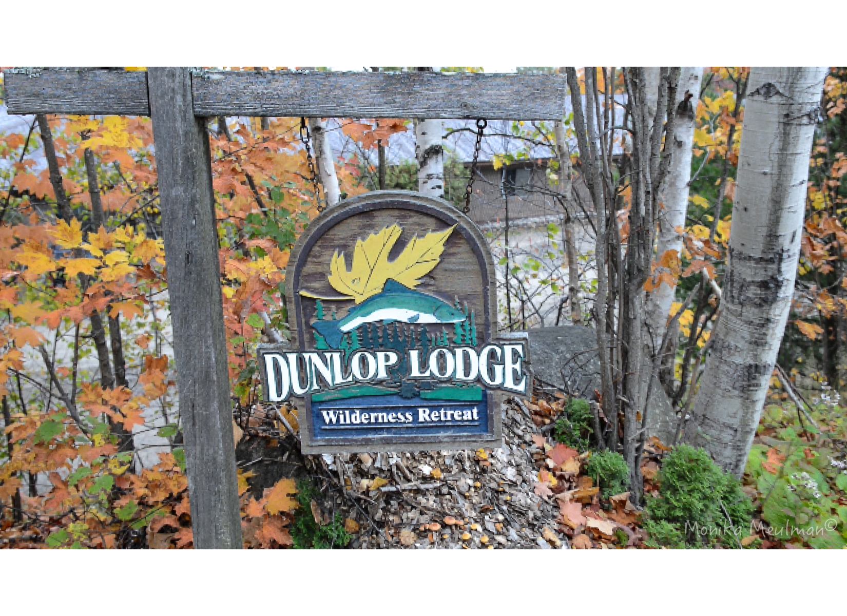 dunlop-lodge-sign